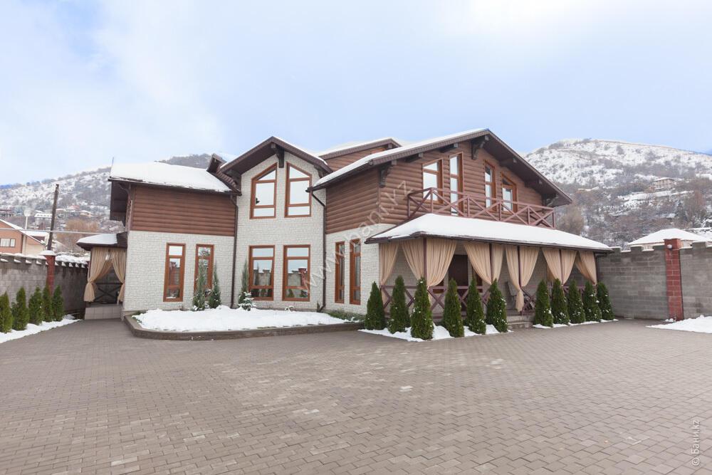 Баня «Светлая» в комплексе «VIP-сауна Альпийская» – Фото фасада