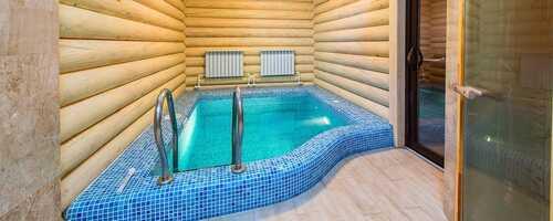 Баня с бассейном в банном комплексе «ТеремЪ»